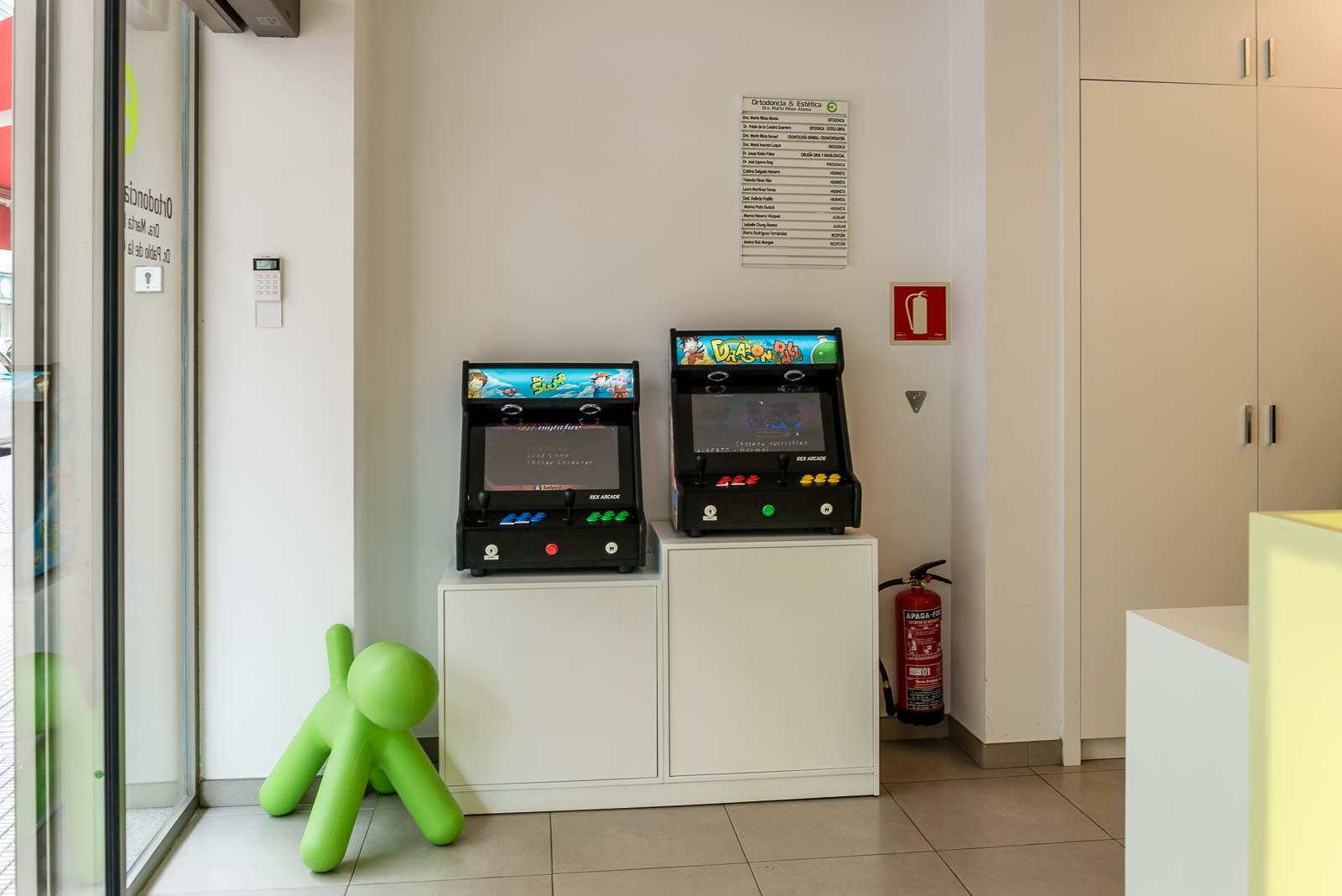 Juegos en la sala de espera para los pacientes